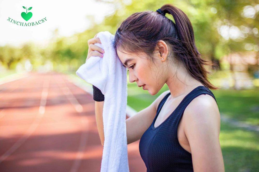 10 nguyên nhân gây ra mồ hôi nhiều ở đầu và cách điều trị cụ thể
